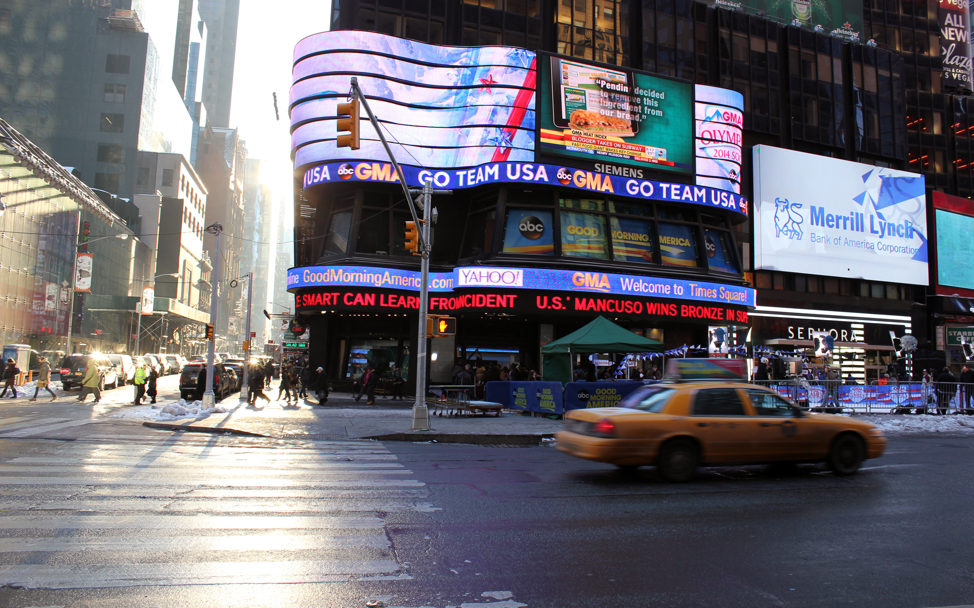 new_york_times_square_photography_matthew_pomorski_graphic_designer